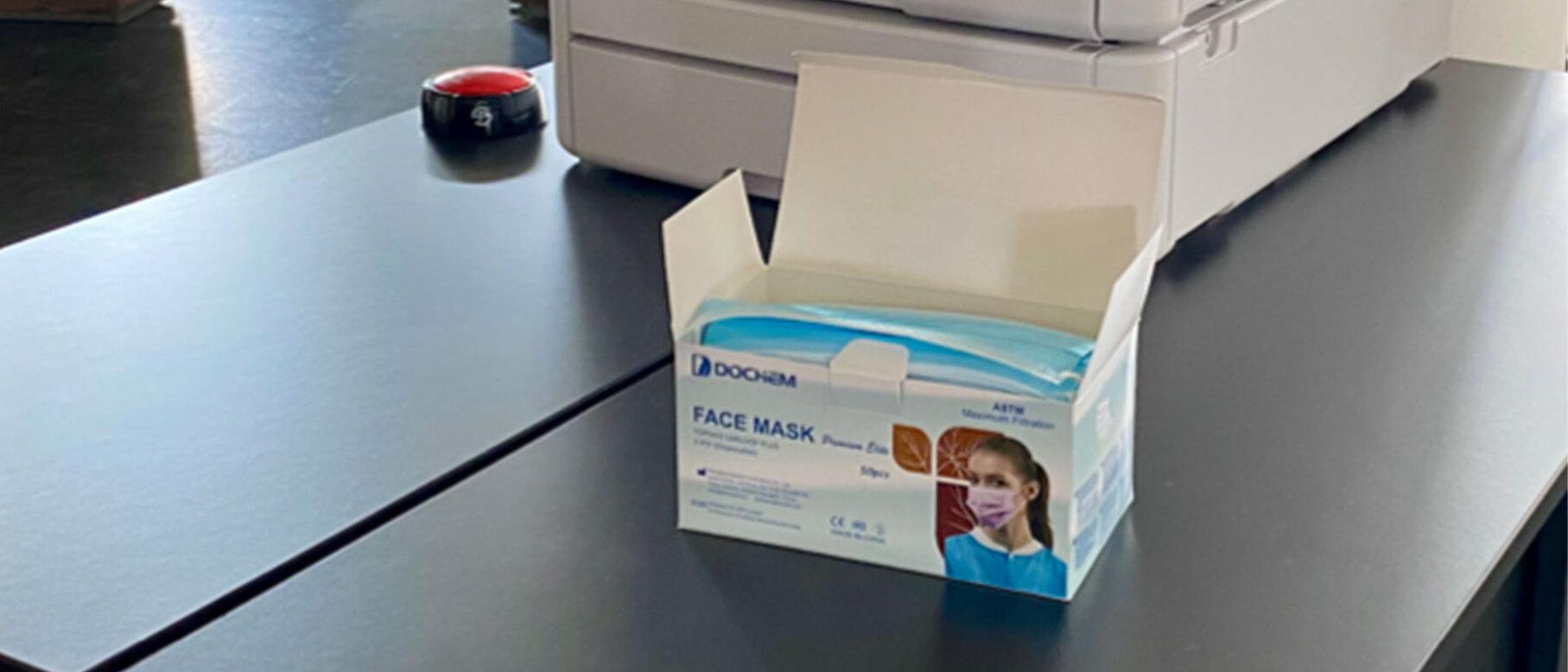 Der Einkauf besorgte Masken für alle Mitarbeiter